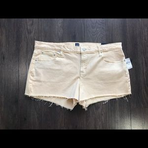 "Gap Denim 3"" Stretch Mid Rise Jean Shorts"